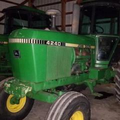 1980 John Deere 4240